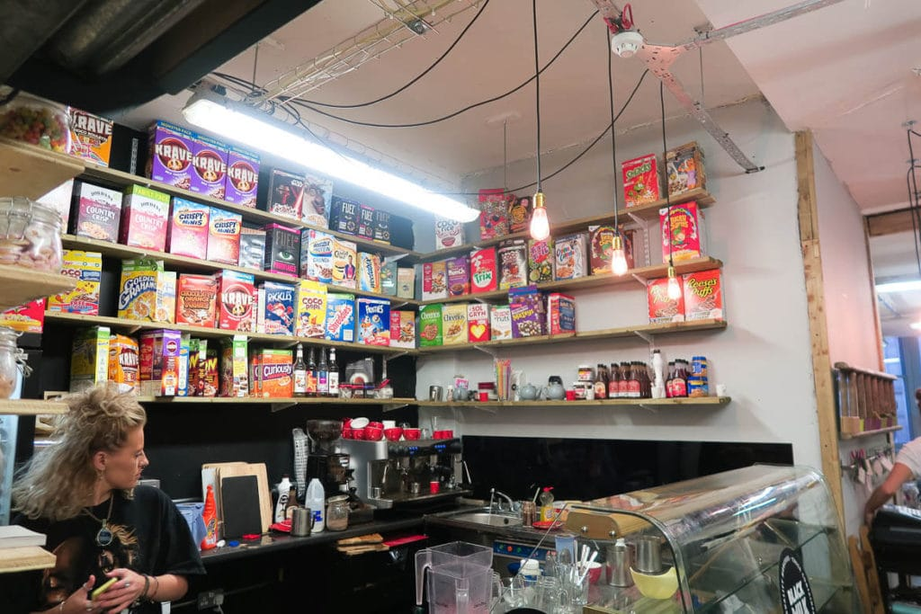 Manchester Travel Guide: Breakfast Bar im Afflecks