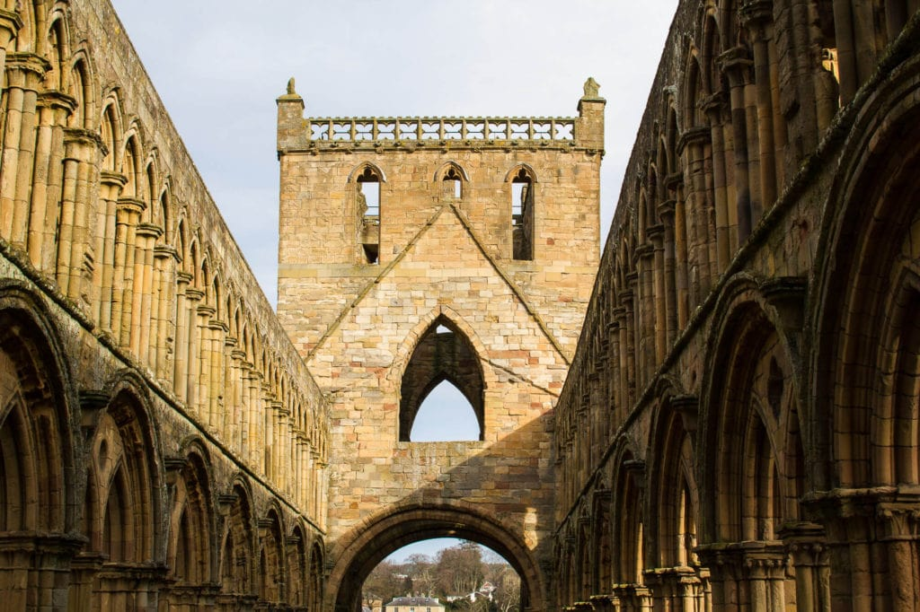 cotland: Border Abbeys Way Road Trip to the Scottish Borders: Jedburgh Abbey