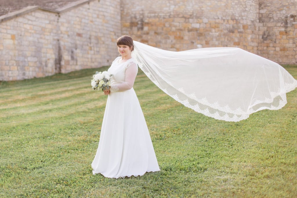 Braut im Barockgarten Großsedlitz in Sachsen