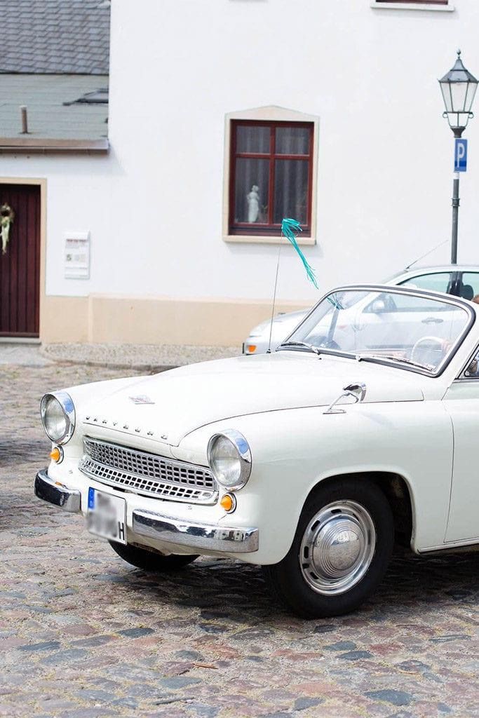 Das Brautauto und Autoschmuck - In den Hochzeitsfarben