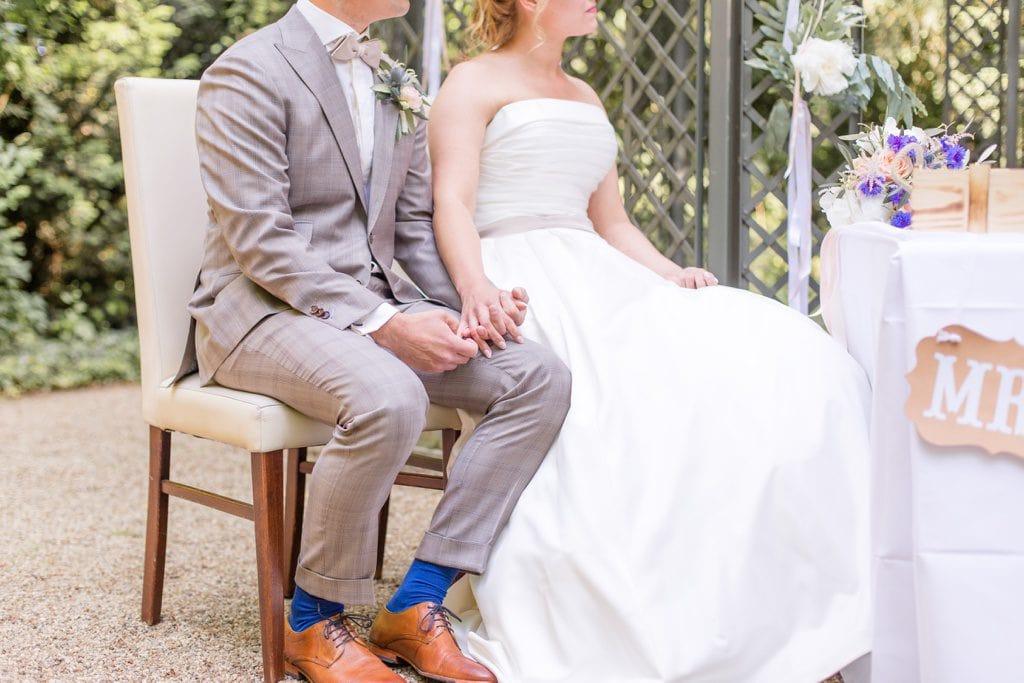 Stylische Geometrie & Kupfer Hochzeit von Cynthia und Basti im Ochsenstall des Gutshof Britz