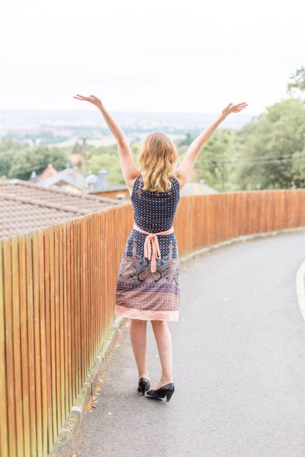 Garantiert nie wieder langweilige Reisebilder erstellen: 10 Posing Tipps!