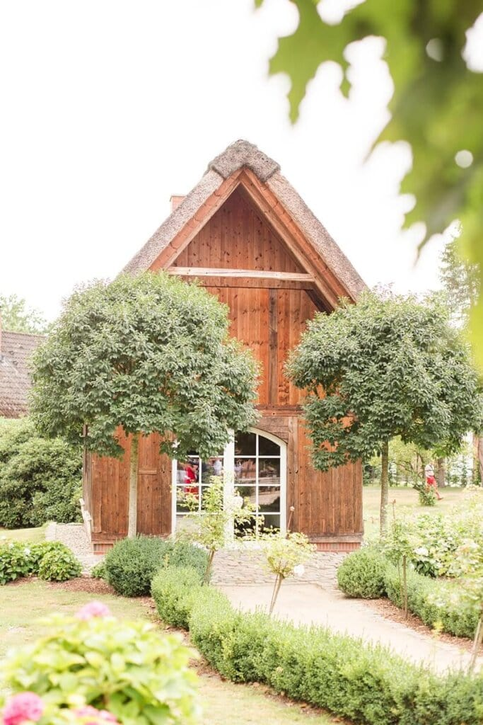 Holzhaus im Park