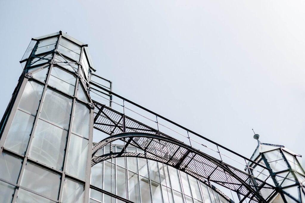 Stahlkonstrukt eines Gewächshauses