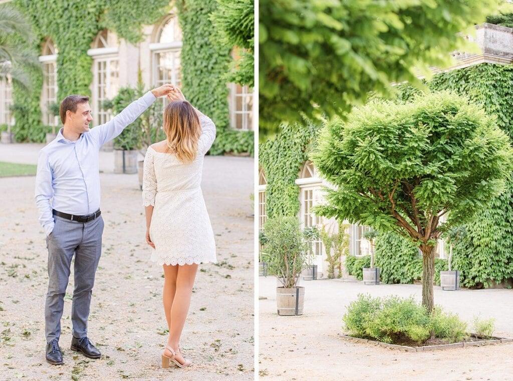 Pärchen tanz im Park, Foto eines Baumes