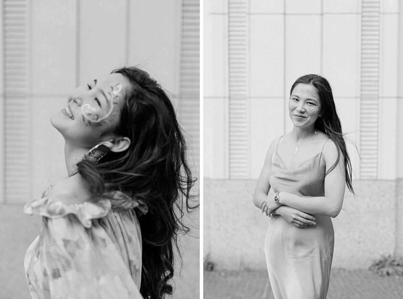 Schwarz weiß Fotos von Frauen vor heller Wand