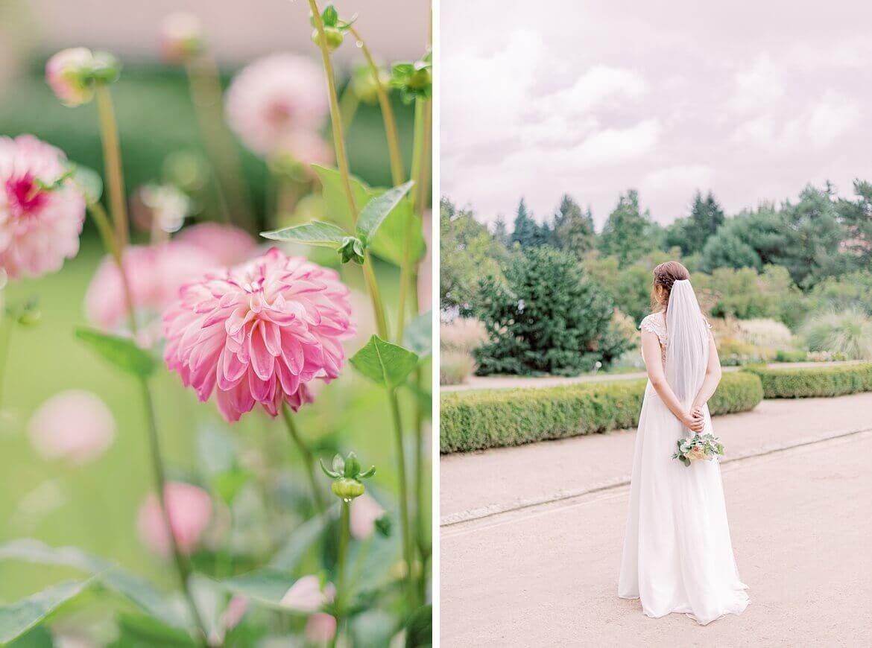 Braut von hinten mit Blumen