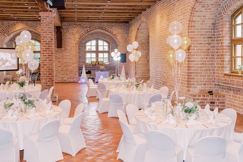 Gotischer Saal der Zitadelle Spandau Berlin mit Hochzeitsdeko