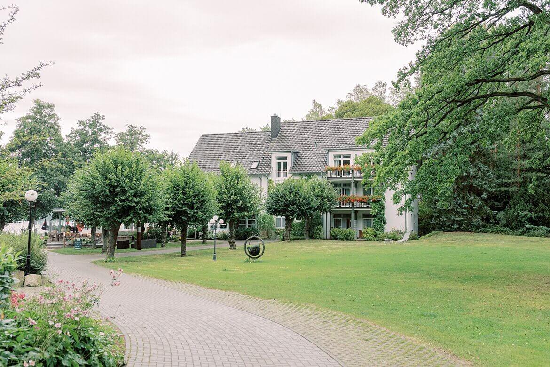 Außenaufnahme Seehotel Lindenhof in Lychen