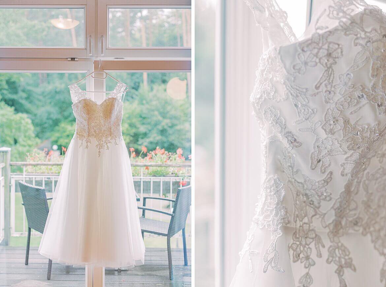Brautkleid im Fenster