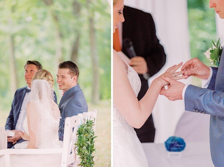 Brautpaar während der Trauung und Anstecken des Rings
