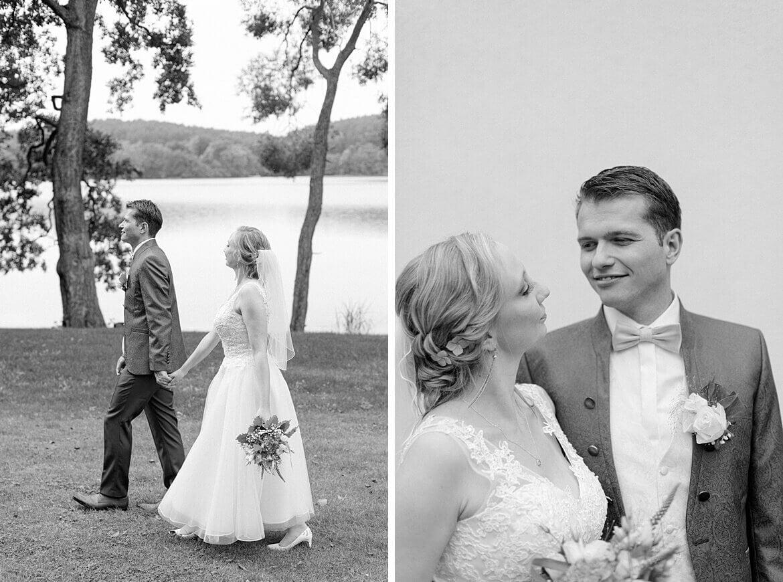 Schwarz Weiß Fotos von einem Brautpaar