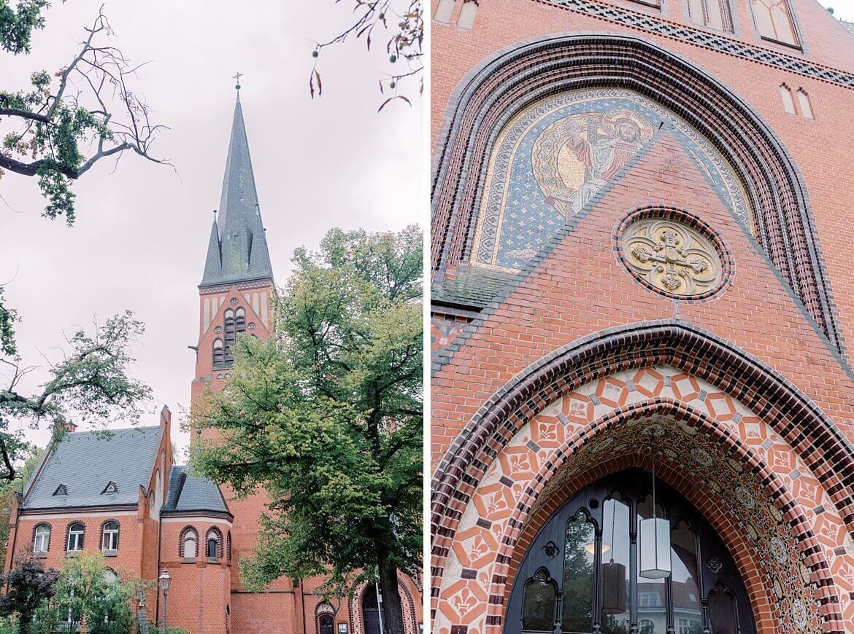 Außenaufnahme von Kirche in Berlin Wilhelmsaue