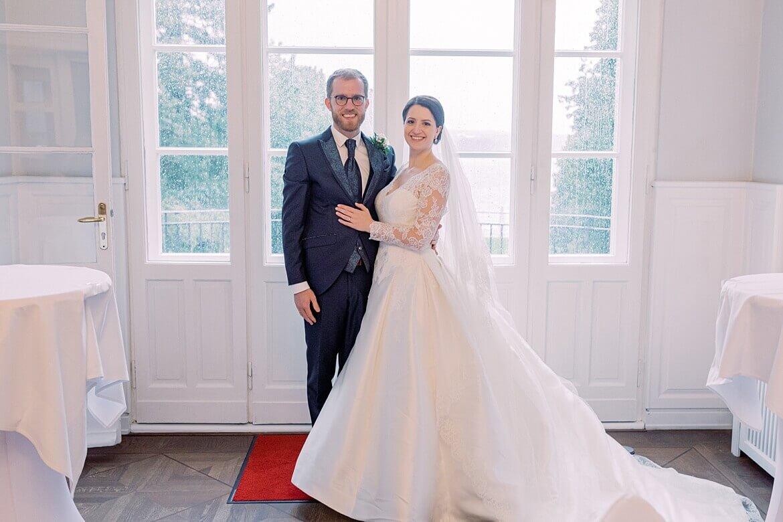 Brautpaar im Saal des Gästehaus Blumenfisch