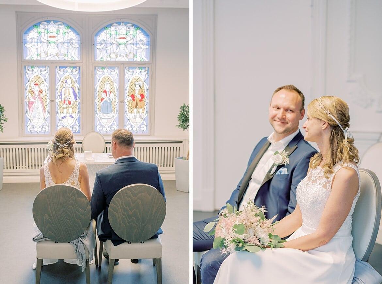 Brautpaar im Standesamt Berlin Köpenick