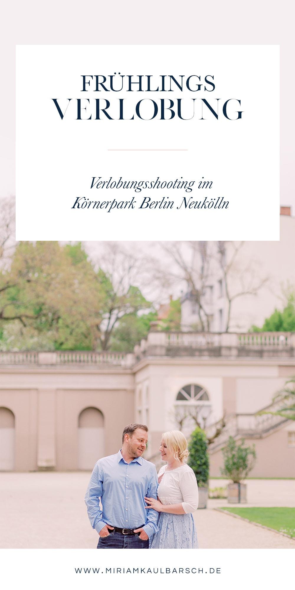 Frühlingshafte Verlobung in Hellblau mit Nicole und Robert im Körnerpark Berlin