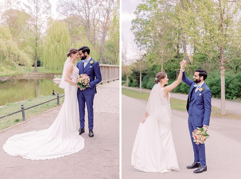 Brautpaar tanzt im Stadtpark Steglitz