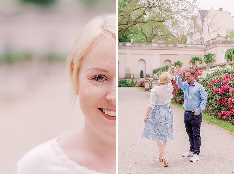 Paar tanzt im Park, Nahaufnahme einer blonden Frau