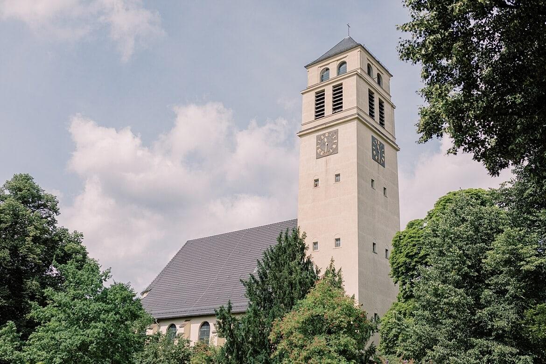 Außenaufnahme der Markus Kirche Berlin Steglitz