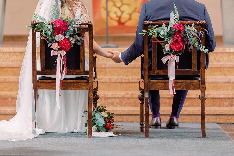 Brautpaar während der Trauung in der Markus Kirche Berlin Steglitz