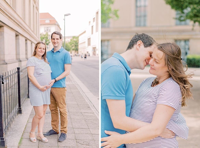 Schwangeres Paar umarmt sich
