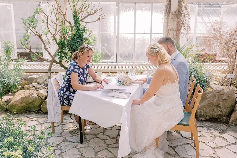 Brautpaar während der Trauung im Mittelmeerhaus