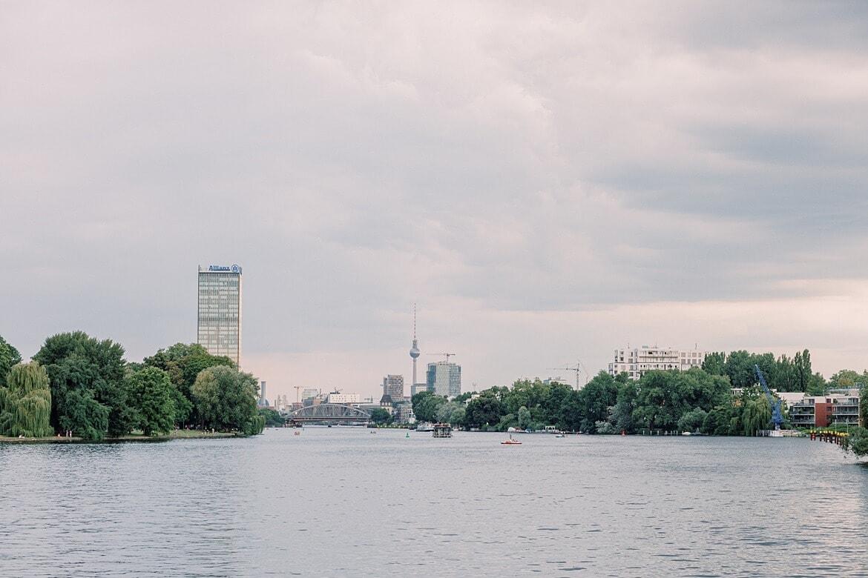 Berlin Skyline vom Wasser aus